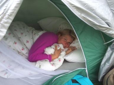 Hilde i telt